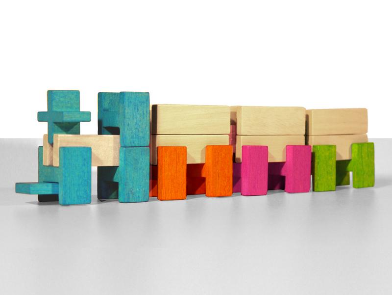stapelblokken en plankjes ide in elkaar kunnen